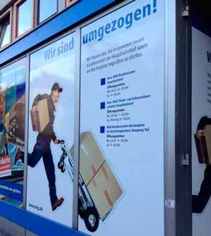 Bedruckter Banner als Kommunikationselement am Schaufenster